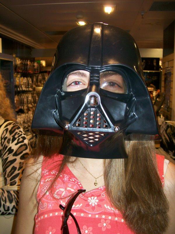 Eu usando a máscara do Darth Vader